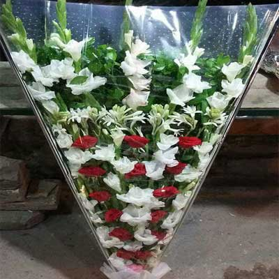 Flower bouquet price 1200