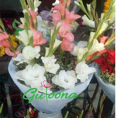 Real Flower bouquet price 1500