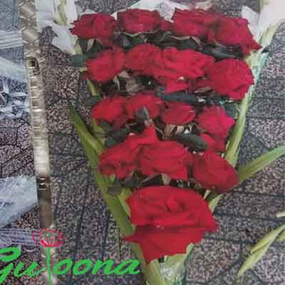Real Flower bouquet price 600