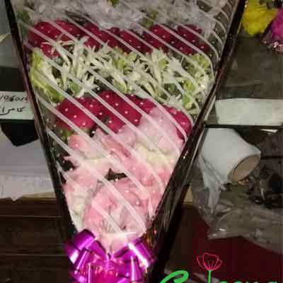 Real Flower bouquet price 750
